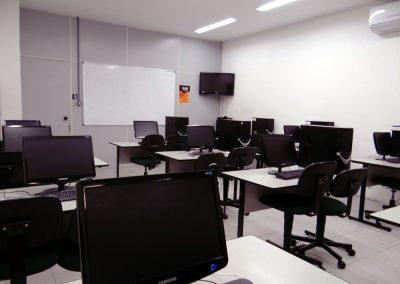 Laboratórios  de Informática da Real & Dados em Salvador na Bahia